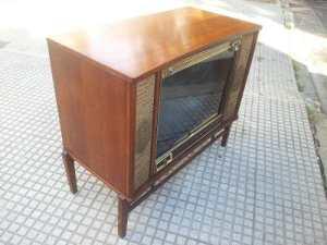 Televisores como éste Zenith estadounidense, podían durar hasta 20 años.